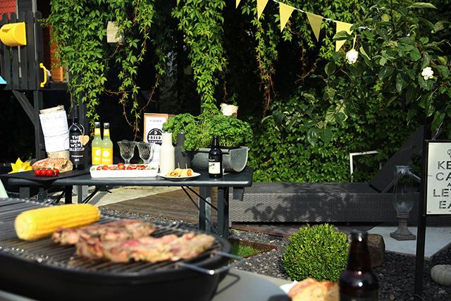 garten grill, ein geselliges barbecue mitten im garten | sanvie.de, Design ideen