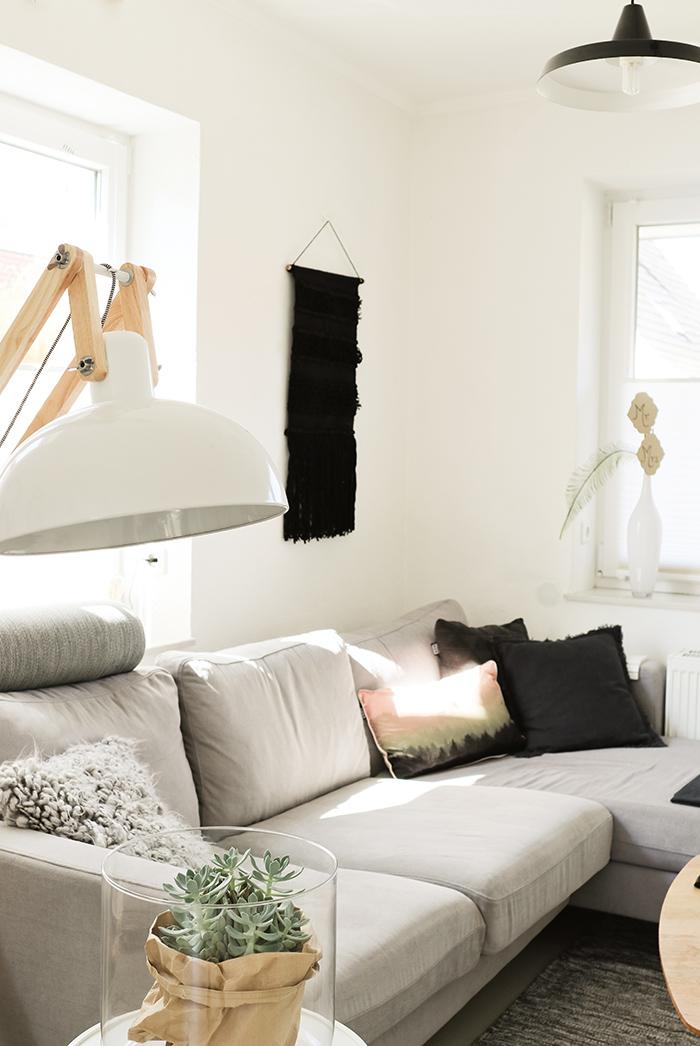 Von der perfekten ecke im wohnzimmer und dem plan ein jahr for Zimmer deko ecke