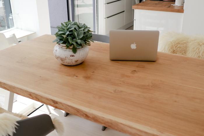 Die richtige Pflege für einen Echtholztisch - Tipps vom ...